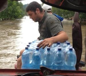 inundatii_secaseni_apa_la_localnici