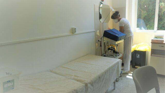 asistenta salon renovat