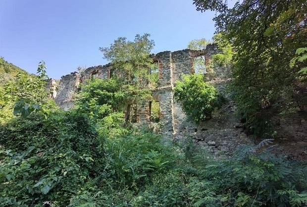ruinele hotelului bazias